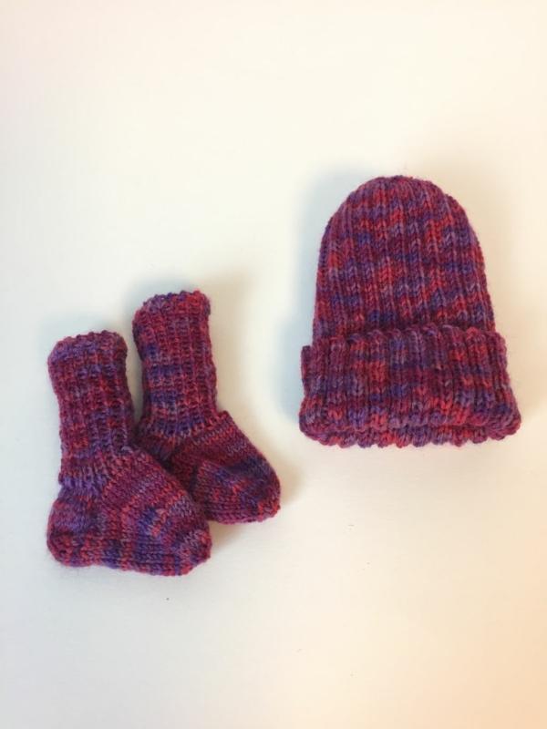 Frühchen Socken und Frühchen Mütze gestrickt, Handarbeitseckle